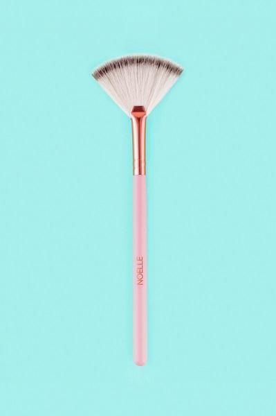 noelle-brush-2