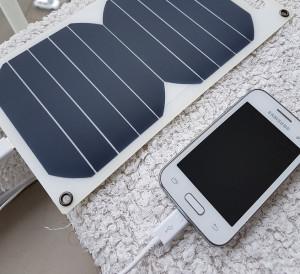 Solarni polnilec za mobitel